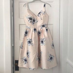 New With Tag Chi Chi London Midi Dress Small 4